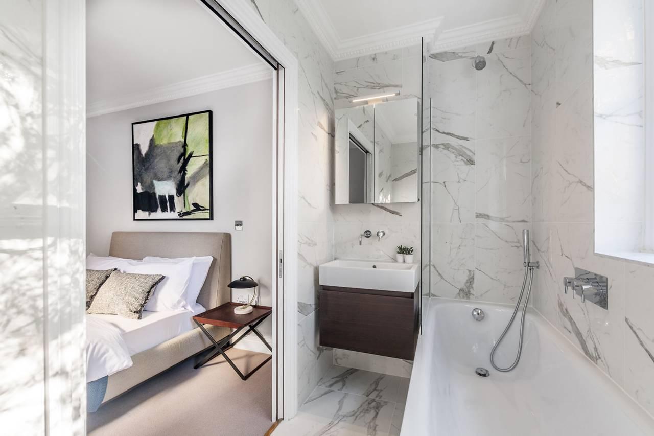 hotel-chic, contemporary, grey