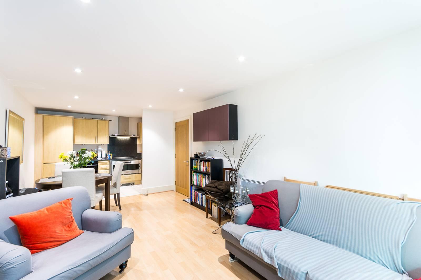 St George Wharf, Vauxhall, SW8, reception room