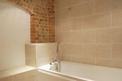 Bathroom in E16