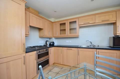 <b>Kitchen</b><span class='dims'> 14 x 11&#39;9 (4.27 x 3.58m)</span>