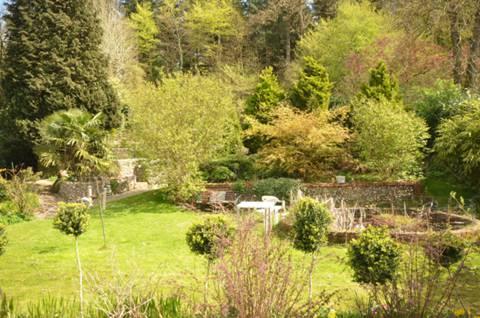 Garden in KT24