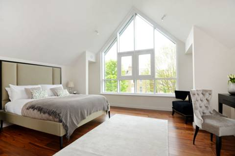 Master Bedroom in TW10