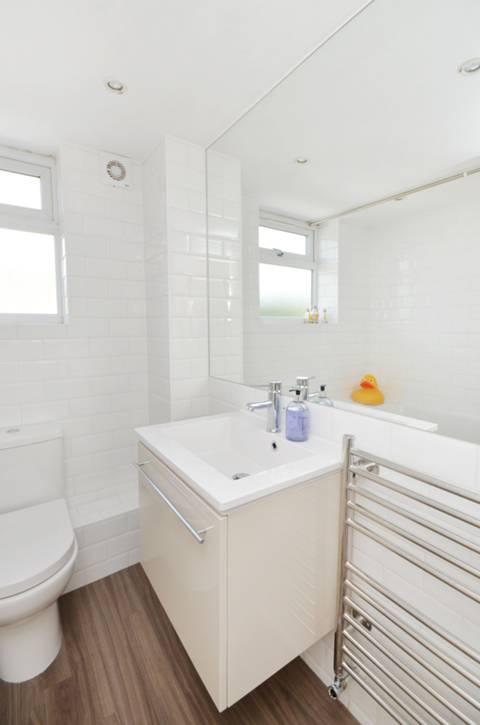 Bathroom in TW10