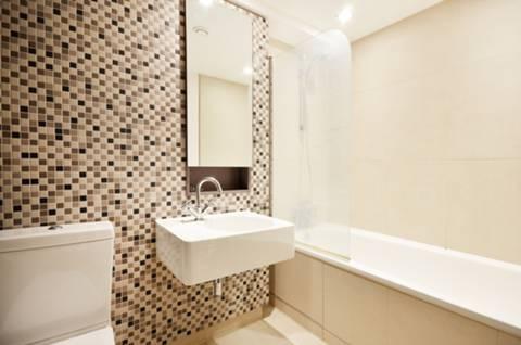 Bathroom in SW1E