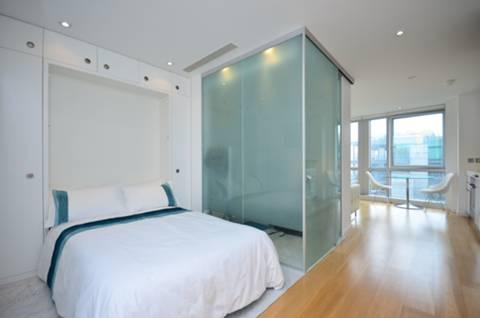 <b>Sleeping Area</b><span class='dims'> 14' x 6'10 (4.27 x 2.08m)</span>