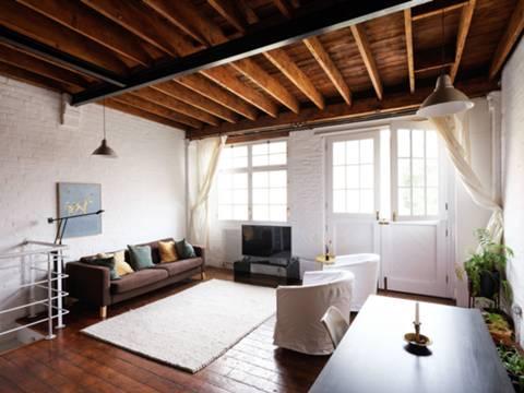 <b>Bedroom</b><span class='dims'> 12&#39;8 x 10&#39;11 (3.86 x 3.33m)</span>
