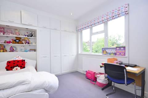<b>Fourth Bedroom</b><span class='dims'> 14&#39;2 x 12&#39;8 (4.32 x 3.86m)</span>