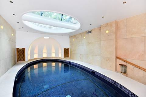 Swimming Pool in SW3
