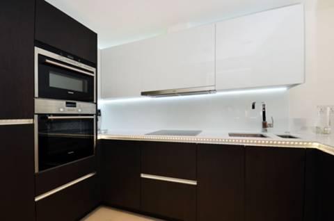Kitchen in TW8