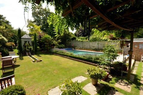 Garden in GU1