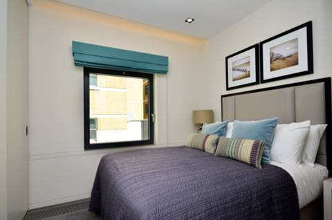 <b>Second Bedroom</b><span class='dims'> 10'4 x 8'10 (3.15 x 2.69m)</span>