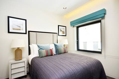 <b>Second Bedroom</b><span class='dims'> 11&#39;5 x 8&#39;3 (3.48 x 2.51m)</span>