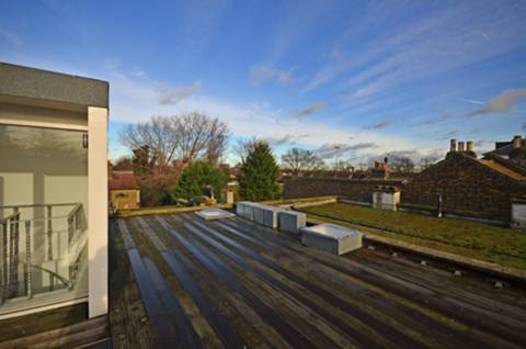 <b>Flat Roof</b><span class='dims'></span>