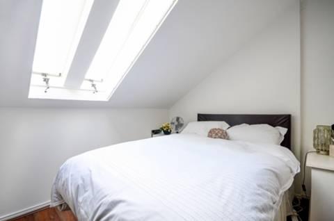 <b>Second Bedroom</b><span class='dims'> 13' x 12'3 (3.96 x 3.73m)</span>