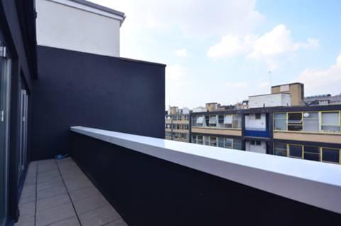 <b>Second Balcony</b><span class='dims'></span>