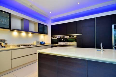 Kitchen/Breakfast Room in KT2