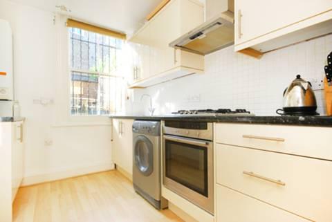 <b>Kitchen</b><span class='dims'> 11'6 x 7'6 (3.51 x 2.29m)</span>