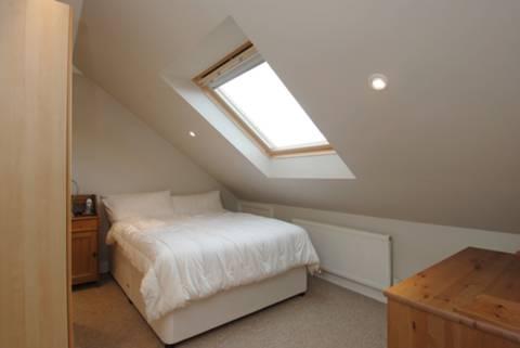 <b>Bedroom</b><span class='dims'> 12&#39;3 x 9&#39;6 (3.73 x 2.90m)</span>
