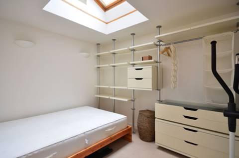 <b>Second Bedroom</b><span class='dims'> 11&#39;8 x 11&#39;4 (3.56 x 3.45m)</span>