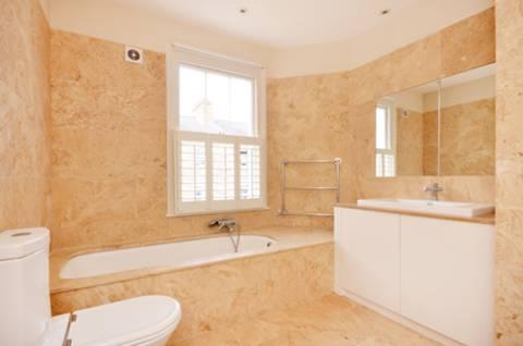 <b>First Bathroom</b><span class='dims'> 10'3 x 9'4 (3.12 x 2.84m)</span>