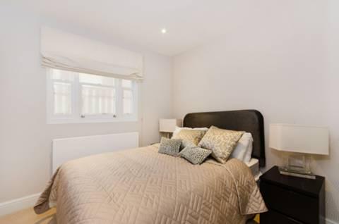 <b>Second Bedroom</b><span class='dims'> 10'3 x 8'7 (3.12 x 2.62m)</span>