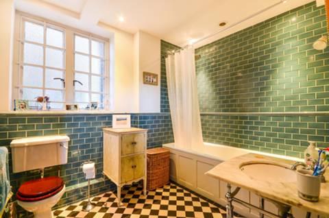 Bathroom in N6
