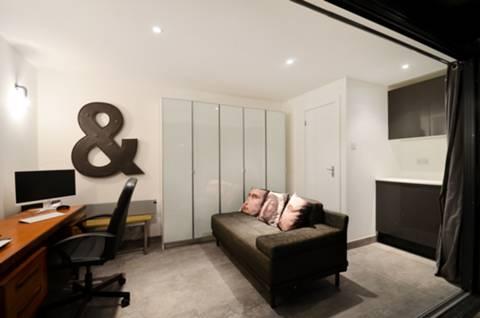Studio Room in NW2