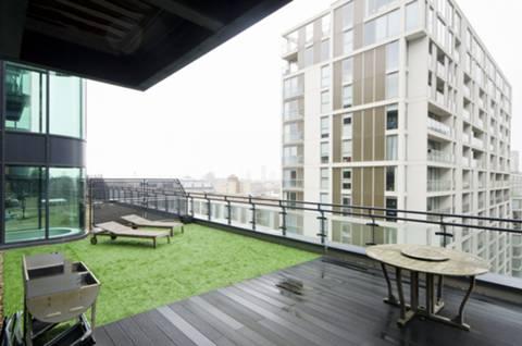 <b>Terrace</b><span class='dims'> 18'1 (5.51m)</span>