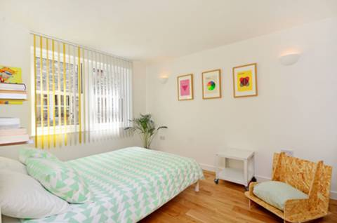 Second Bedroom in N16