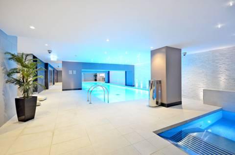 Communal Swimming Pool in W14