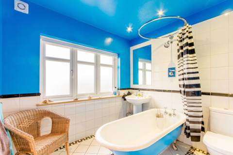 Bathroom in TW2