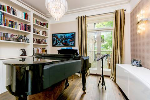 Second Reception Room in SE3
