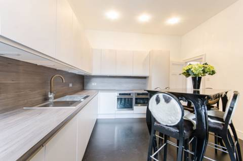 Kitchen/Dining Room in SW10