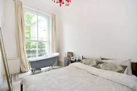 Bedroom in W2