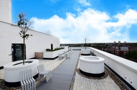 Communal Roof Terrace in SW4