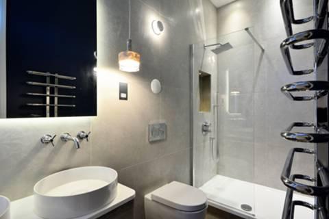 En Suite Shower Room in NW1