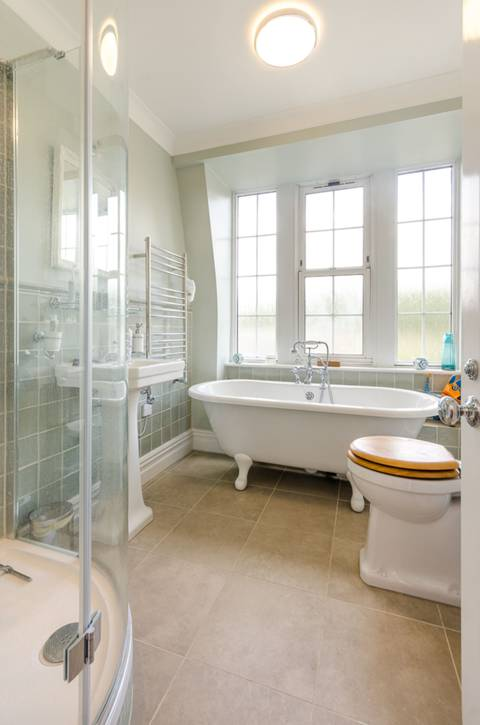 Bathroom in SW1P