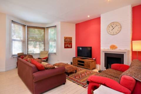 House for sale in Acton Green with Foxtons