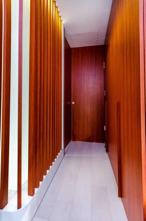 <b>Master Bedroom</b><span class='dims'></span>