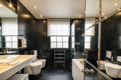 En Suite Bathroom in SW1W