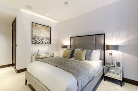 Master Bedroom in SW1E