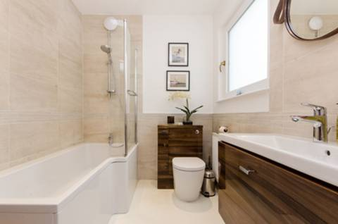 Bathroom in SW19