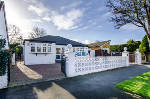 House for sale in Sutton with Foxtons