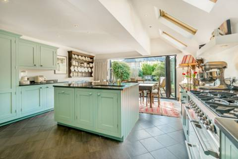 Kitchen/Dining Room in SW13