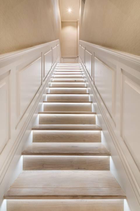 <b>Hallway</b><span class='dims'></span>