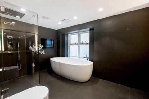 En Suite Bathroom in W8