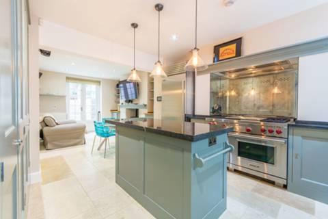 Kitchen in W1H