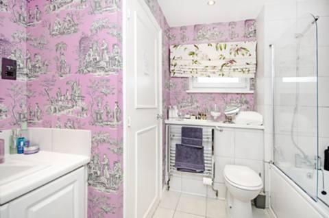Bathroom in E9