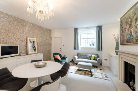 Reception Room in SW1V