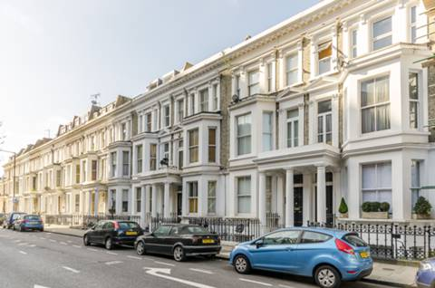House for sale in SW10 with Foxtons